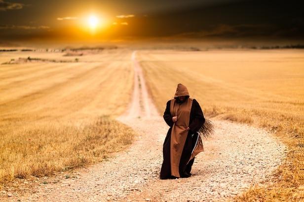 monks-1077839_640 (1).jpg