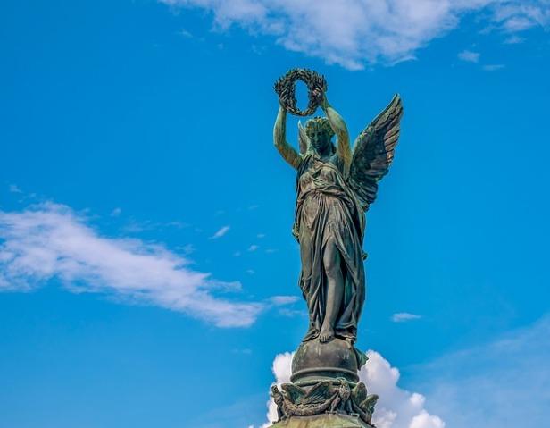 statue-3521476_640.jpg