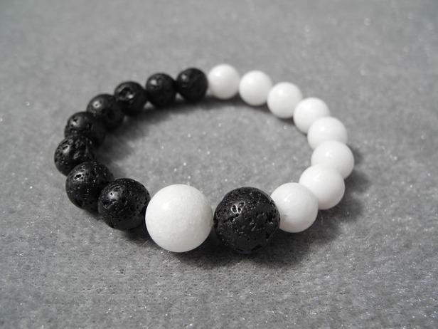 bracelet-2614191_640.jpg