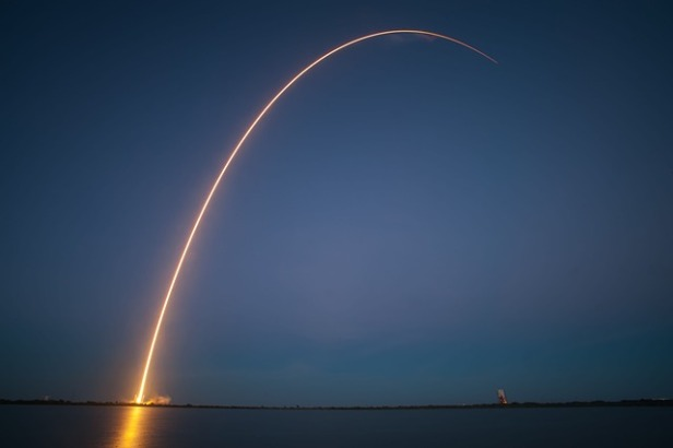 rocket-launch-693236_640.jpg