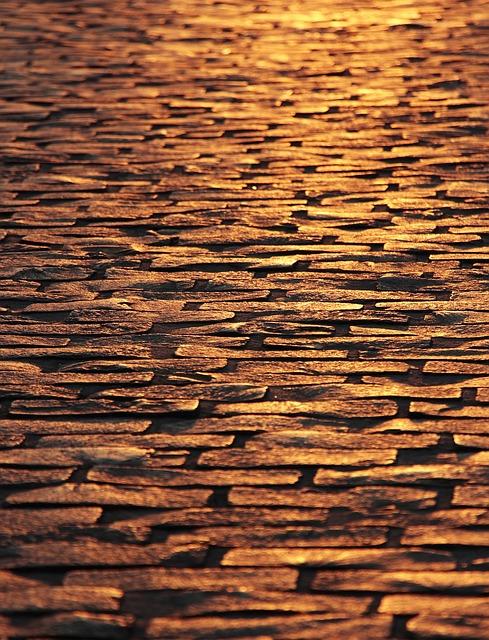 cobblestones-3755884_640.jpg