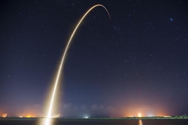 rocket-launch-693215_640.jpg